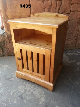 Classic Pine Bedside Table (480x400x660)