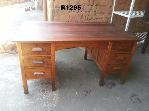Teak Desk with 6 Drawers (1520x900x760)
