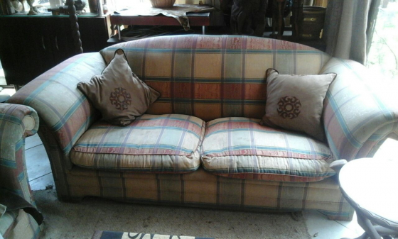 2 Large two-seater couches