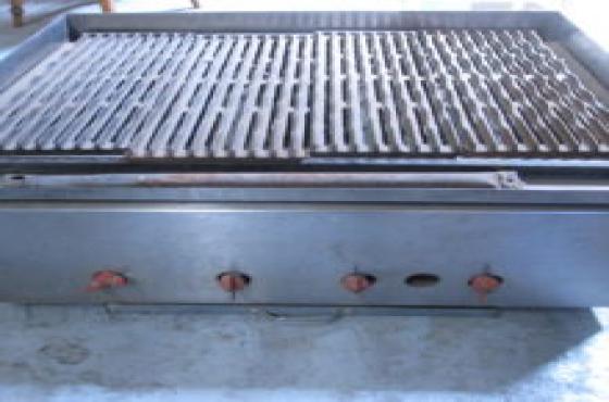 3 burner gas griller