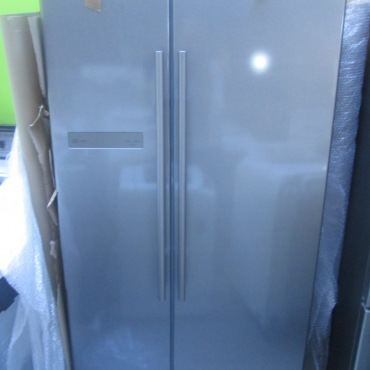 Samsung side by side fridge/ Freezer