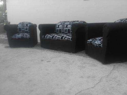 urgent sale! new 3 piece lounge suite
