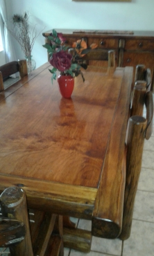 solid log furniture dining table & chairs