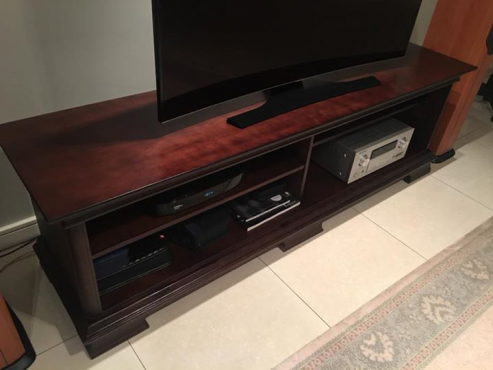 Plazma and home entertainment unit
