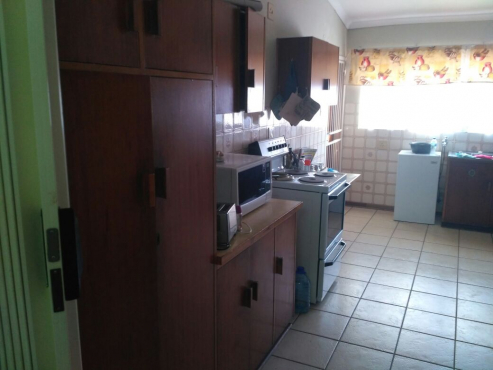 Townhouse opposite University of the Free State. Available to rent. Safe and Neat.