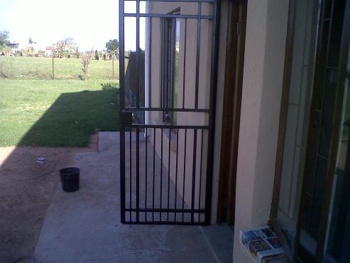 STEEL CARPORTS GATES AND BURGLAR DOORS 0786089377 & STEEL CARPORTS GATES AND BURGLAR DOORS 0786089377 | Junk Mail
