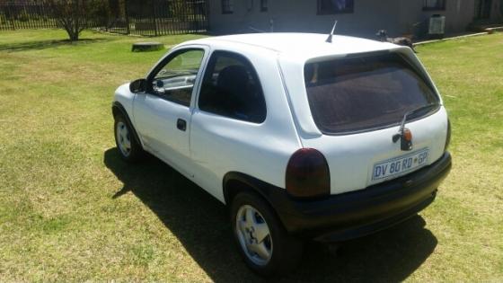 Opel Corsa 16i Sport 1999 Model