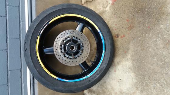 Yamaha R1 rear wheel and tire