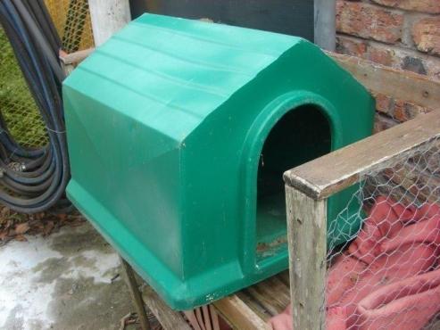 Green Plastic Dog Kennel