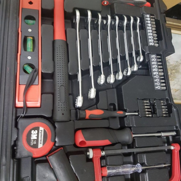 Tool set + case