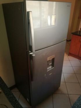 SAMSUNG 514 l Top Freezer Fridge with Water Dispenser Stainless steel R4500
