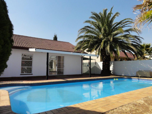 Great value for money. Three bedroomed house with swimming pool, centrally situated