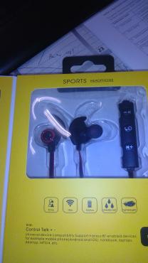 wireless earhones new