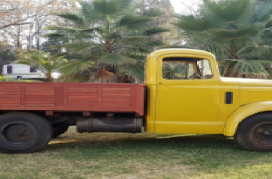 Classic Truck for sale now ! Morris Commercial Austin 301 ..first Diesel