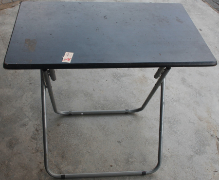 Folding table S02653