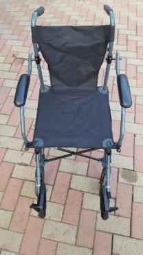 Wheelchair compact shopping chair
