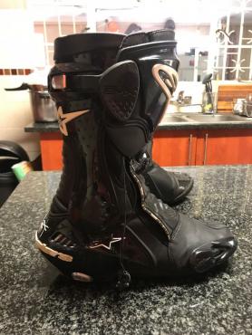 Alpinestar boots (Size 9)