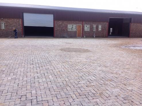 350m2 Workshop to let, Naledi a Industrial park