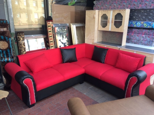bargain! new red corner lounge suite