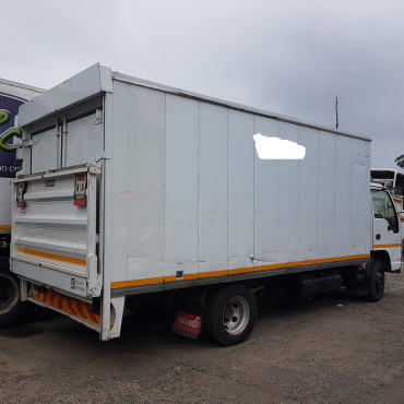 ISUZU NPR 400 Truck   - AMT Transmission. 4HK1 Ti Engine with tail lift body .(Fridge  -optional)