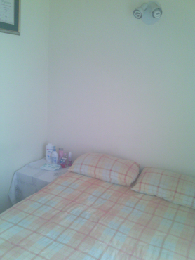 Room to rent in Security complexTerenure, Kempton Park