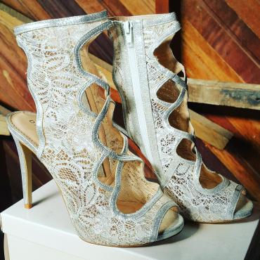 Stunning Danielle bridemaids heels