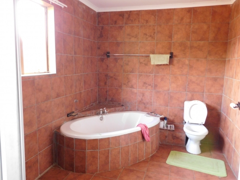 3 b/r House and 2 b/r Flat in Winburg Freestate