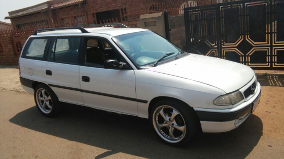 opel astra estate 1996 | junk mail