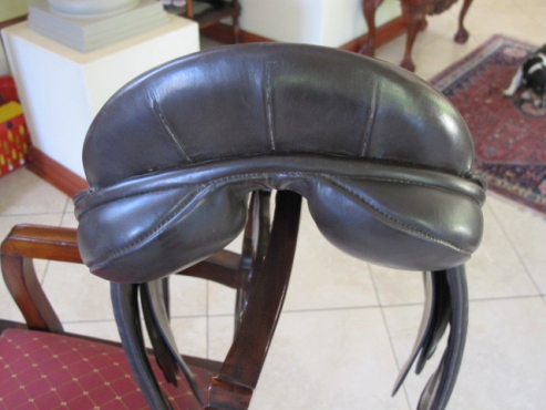 Brown Ideal Show Saddle 17.5 inch, wide fit for sale.
