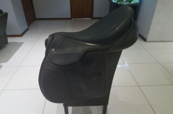 jumping saddle Henri De Rivel 17