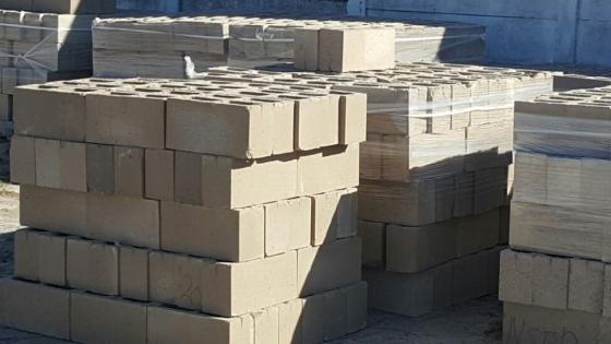 m 140 substandard building blocks to go junk mail. Black Bedroom Furniture Sets. Home Design Ideas