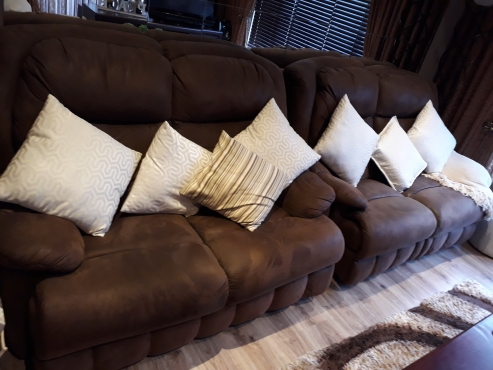 Living Room Furniture For Sale in Mpumalanga