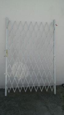 Security gate Expanda 1.2m