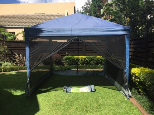 Natural Instincts Easy-Pitch Deluxe Gazebo with Side Screens