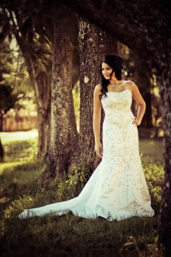 HIRE the perfect WEDDING DRESS !!