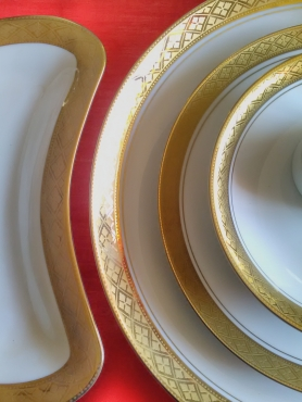 Presidential Collection, Ref in Gold Dinner set