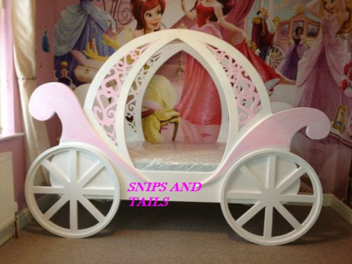 Stunning carriage toddler bed