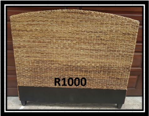 Rottang headboard in very good condition.