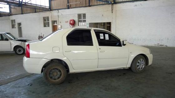 Renault Logan stripp
