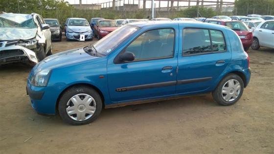 Renault Clio II stri