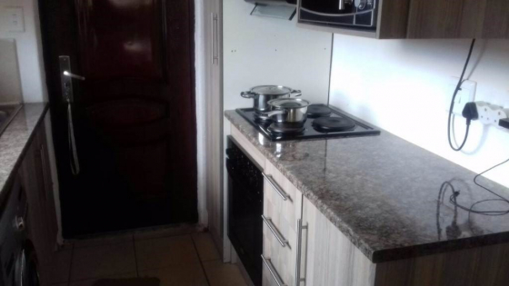 Meadowlands 2bedroomed house to let for R3800 garage bath, kitchen, lounge