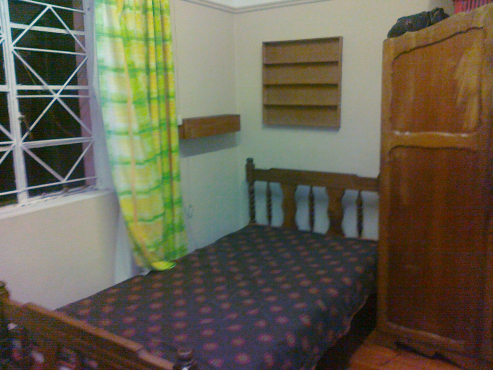 Spacious furnished room for employed person. Despatch, Eastern Cape. R1500.