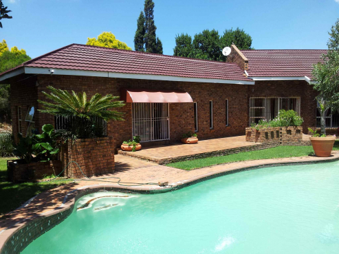 Springs, Sharon Park, Fully Furnished Garden Flat, In security area