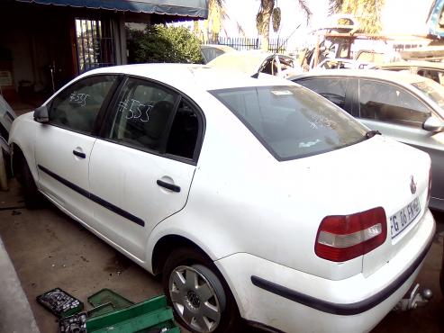 VW POLO SEDAN STRIPP