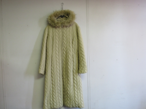 Italian Cream fully padded coat with zip and hood with fur