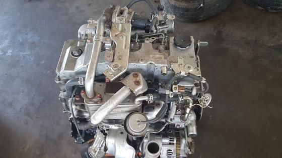 Mitsubishi 3.5 Pajero Engine