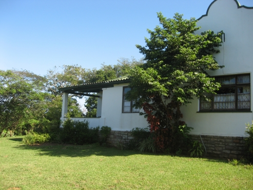 Income producing Character Dutch Gable 4 BEDROOM House + 1 Bedroom Cottage R990,000 Umtentweni