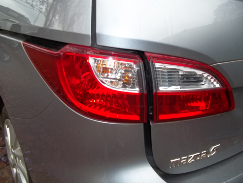 Mazda 5 taillight fo