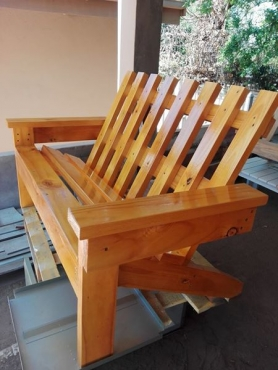 2 seater stylish bench