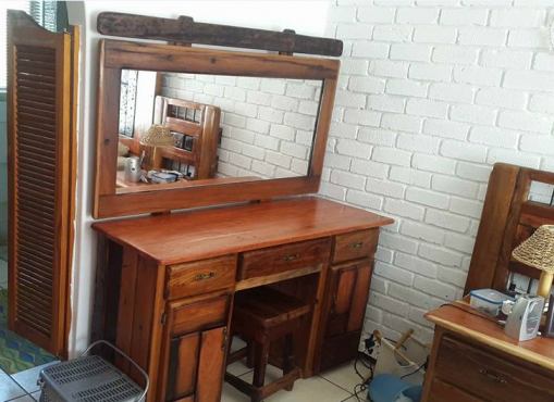 Sleeper Dressing table